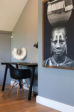 Deluxe Suite: African Art | 14 on Klein Constantia